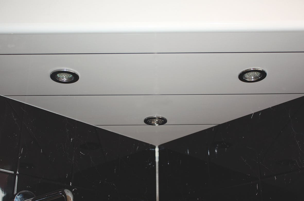 Single Chrome Ceiling Panel (2700mm pack)